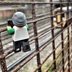 Schermata-2015-11-15-a-16.06.32-250x250 Lego photography passando per Stimpson, Whyte e Vesa Lehtimäki