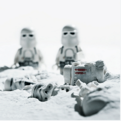 Schermata-2015-11-15-a-16.24.46-250x250 Lego photography passando per Stimpson, Whyte e Vesa Lehtimäki