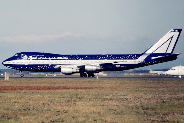 Alitalia_Boeing_747-200_Baci_Bidini