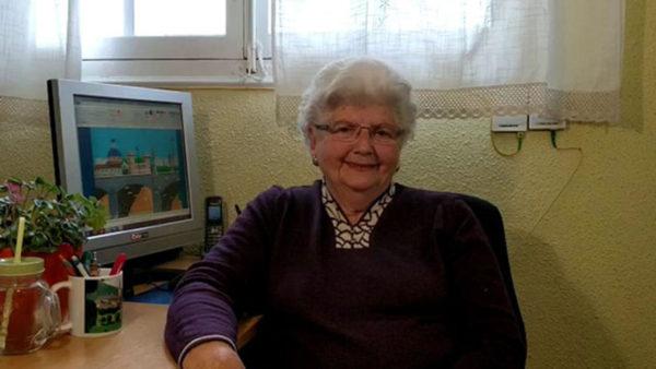 1521628250-9809-rand-mere-microsoft-paint-14-600x338 Nonnina spagnola di 87 anni conquista Instagram con le sue opere grafiche in Paint